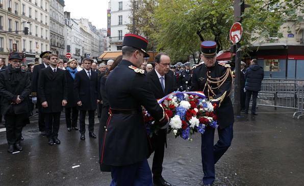 France remembers the victims of the attacks in Paris