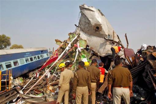 More than 140 people have been killed in India train crash