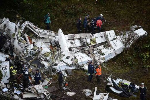 75 dead in plane crash of Chapecoense Brazil football team