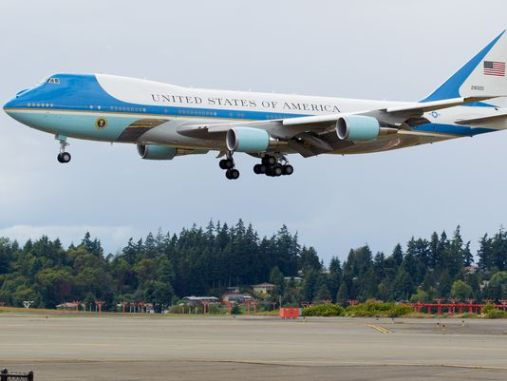 Trump cancel orders the manufacture of the new Air Force One