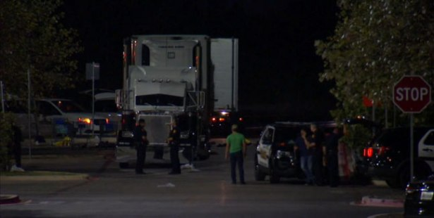 Eight found dead in a truck in Texas